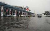 Непогода в Киеве: дождь затопило аэропорт Жуляны