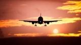 Самолет столкнулся с машиной после экстренной посадки в США