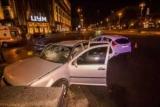 В Киеве, Крещатик столкнулись Ford и Volkswagen, пострадала девушка